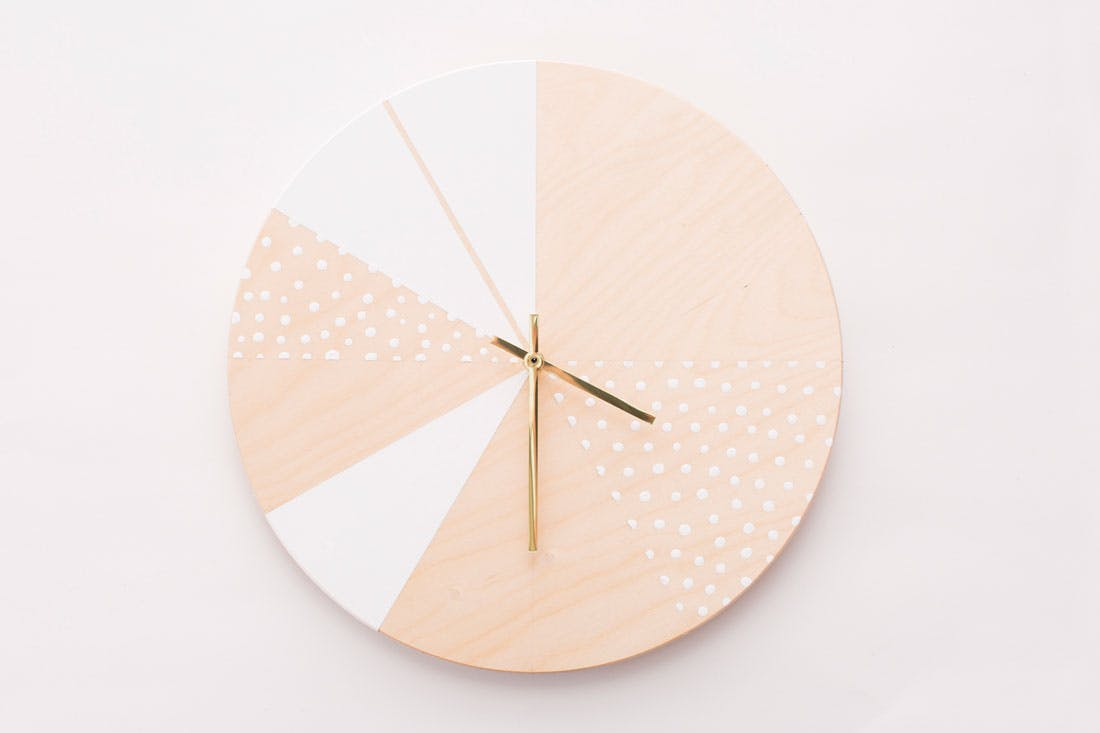 diy wooden clock example